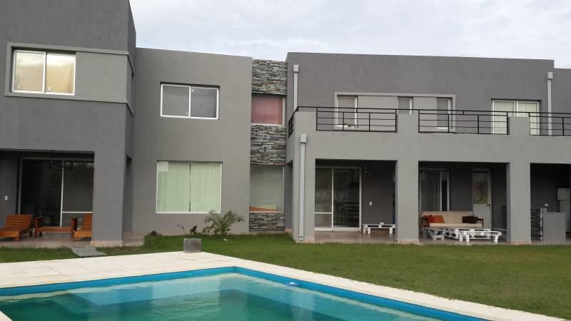 Foto Casa en Venta | Alquiler en  El Canton,  Countries/B.Cerrado  Barrio Norte al 100