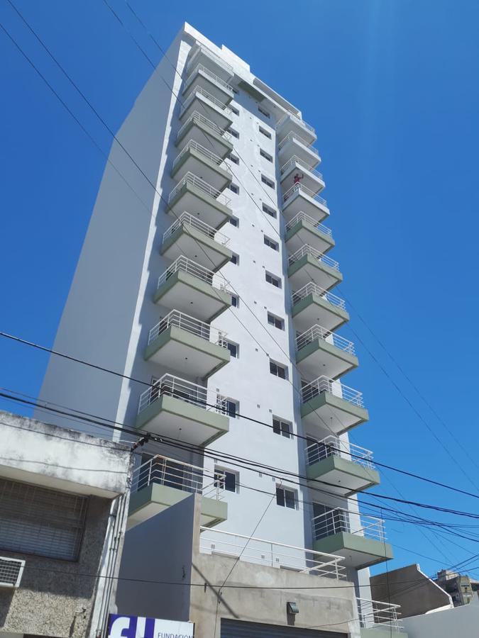 Foto Departamento en Venta en  Quilmes,  Quilmes  Av. Mitre 777