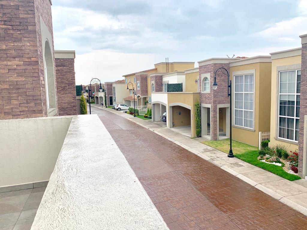 Foto Casa en Venta en  Metepec ,  Edo. de México  Venta casa Portofino  Metepec