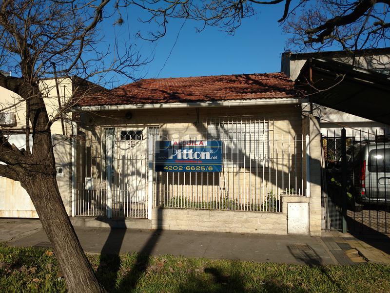 Foto Casa en Alquiler |  en  Temperley,  Lomas De Zamora  Avda. Fernández 1094