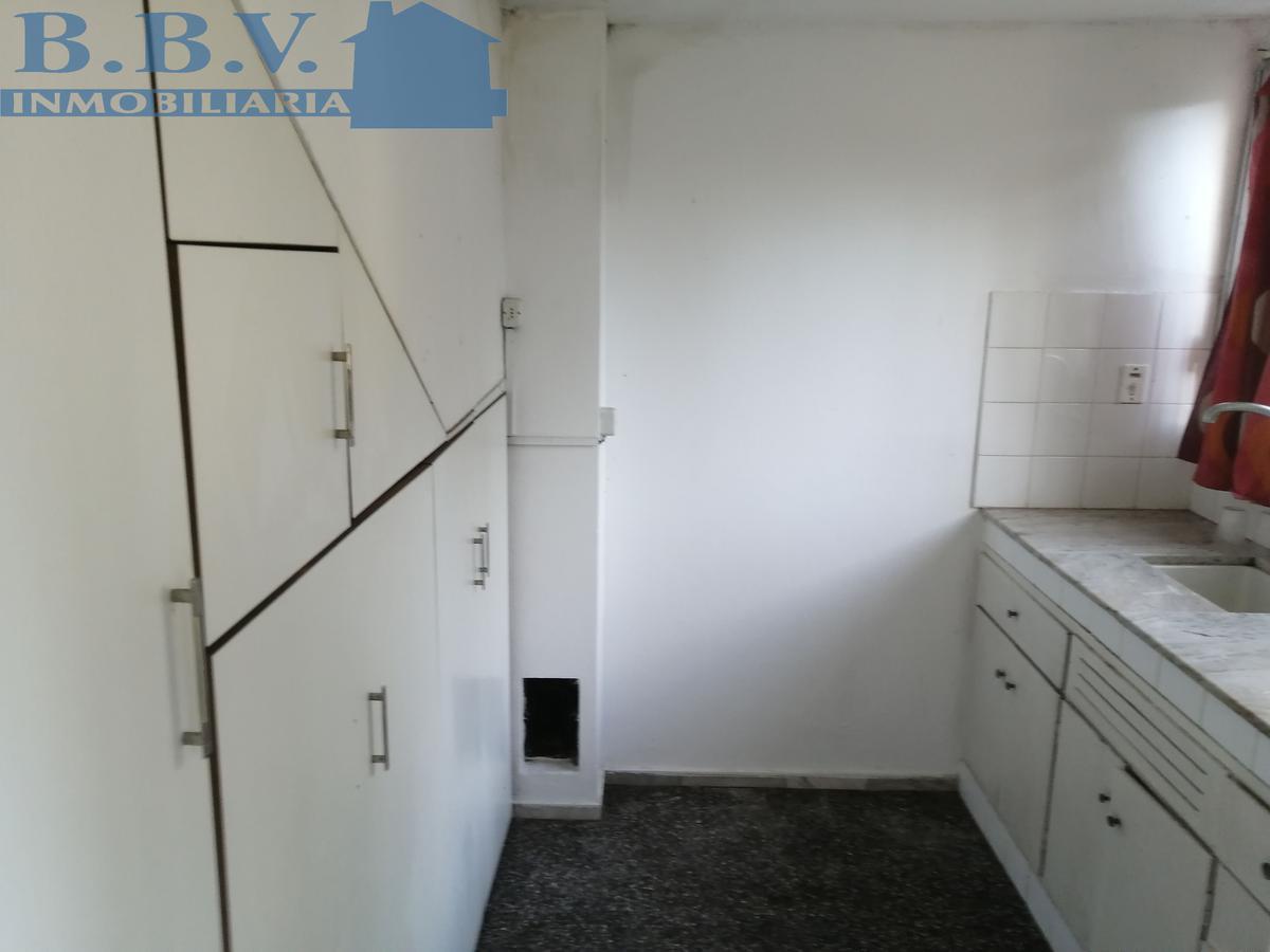 Foto Casa en Alquiler en  Real de San Carlos ,  Colonia  Vivienda de 2 dorm. sobre Rambla Costanera
