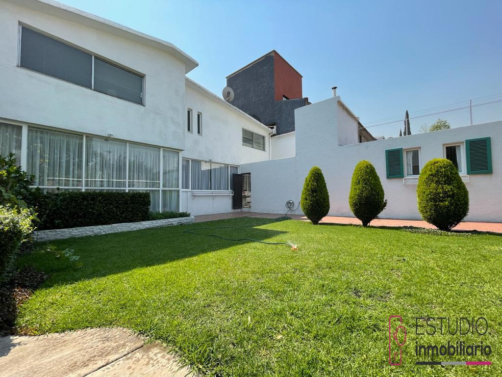 Foto Casa en Venta en  La Herradura,  Huixquilucan  CASA EN VENTA LA HERRADURA. amplios espacios, luminosa, jardín