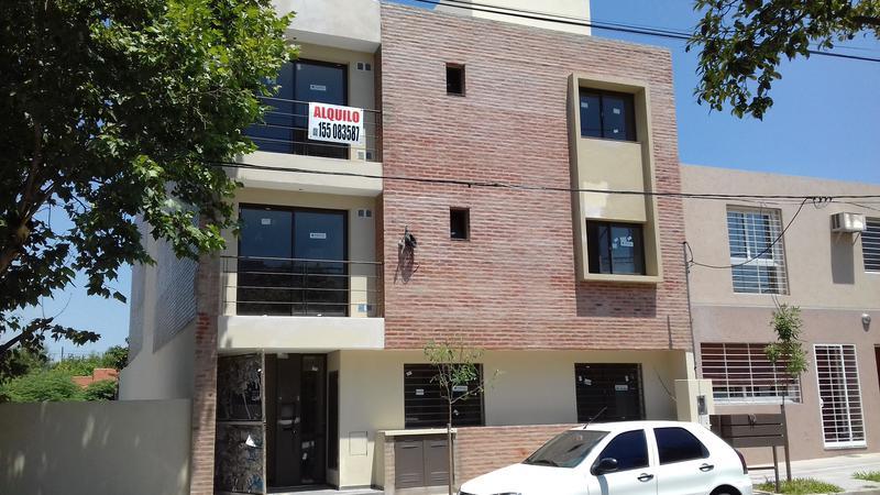 Foto Departamento en Alquiler en  Alto Alberdi,  Cordoba  CASEROS al 3100