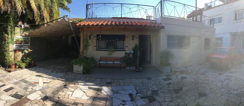 Foto Casa en Venta en  Lomas de Zamora Oeste,  Lomas De Zamora  Acevedo al 400