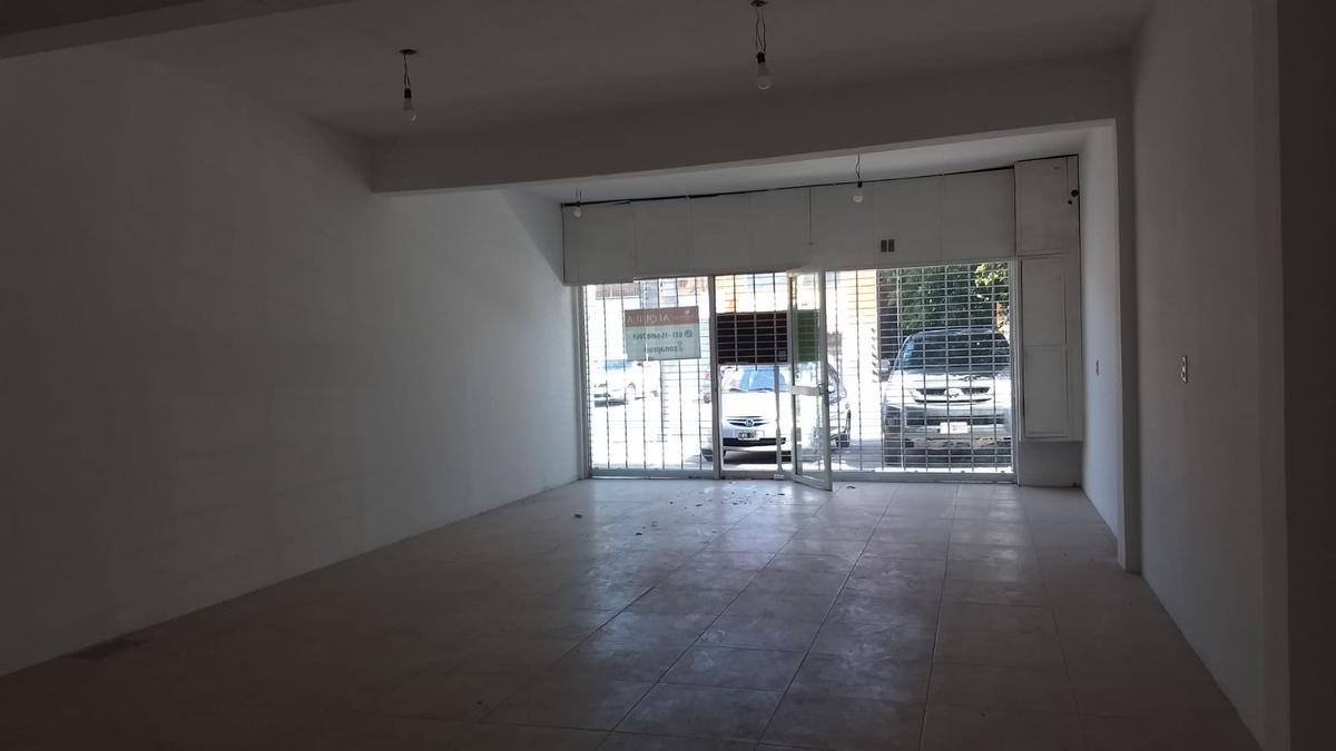 Foto Local en Alquiler en  Juan Maria Gutierrez,  Berazategui  Calle 413 entre 454 y 455 Gutierrez