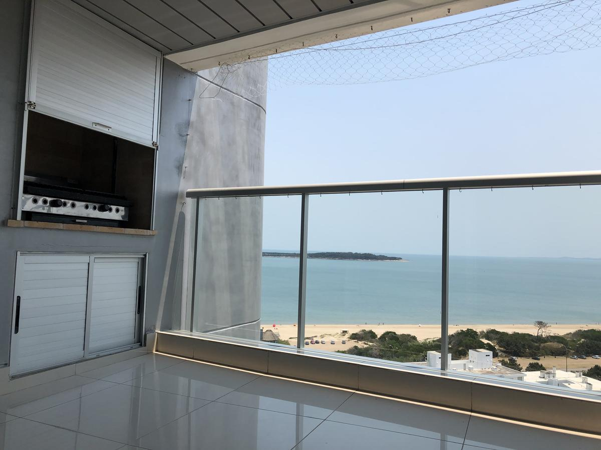 Foto Apartamento en Venta | Alquiler en  Playa Mansa,  Punta del Este  Miami Boulevard - Excelente vista y nivel - Suite - 2 dorm