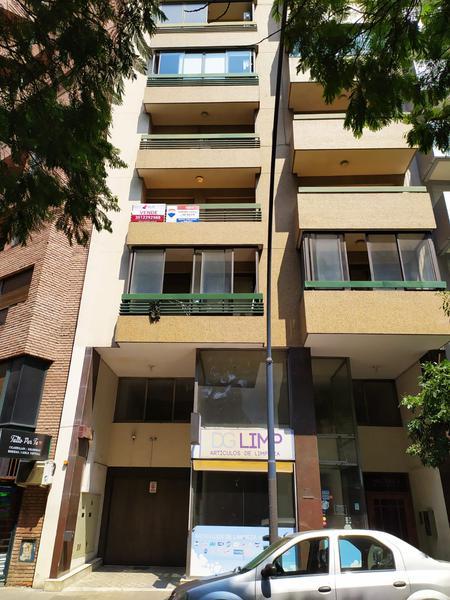 Foto Departamento en Venta en  Nueva Cordoba,  Capital  Departamento en Venta en Nueva Córdoba de 3 Dormitorios   dependencia de servicio,Con Cochera