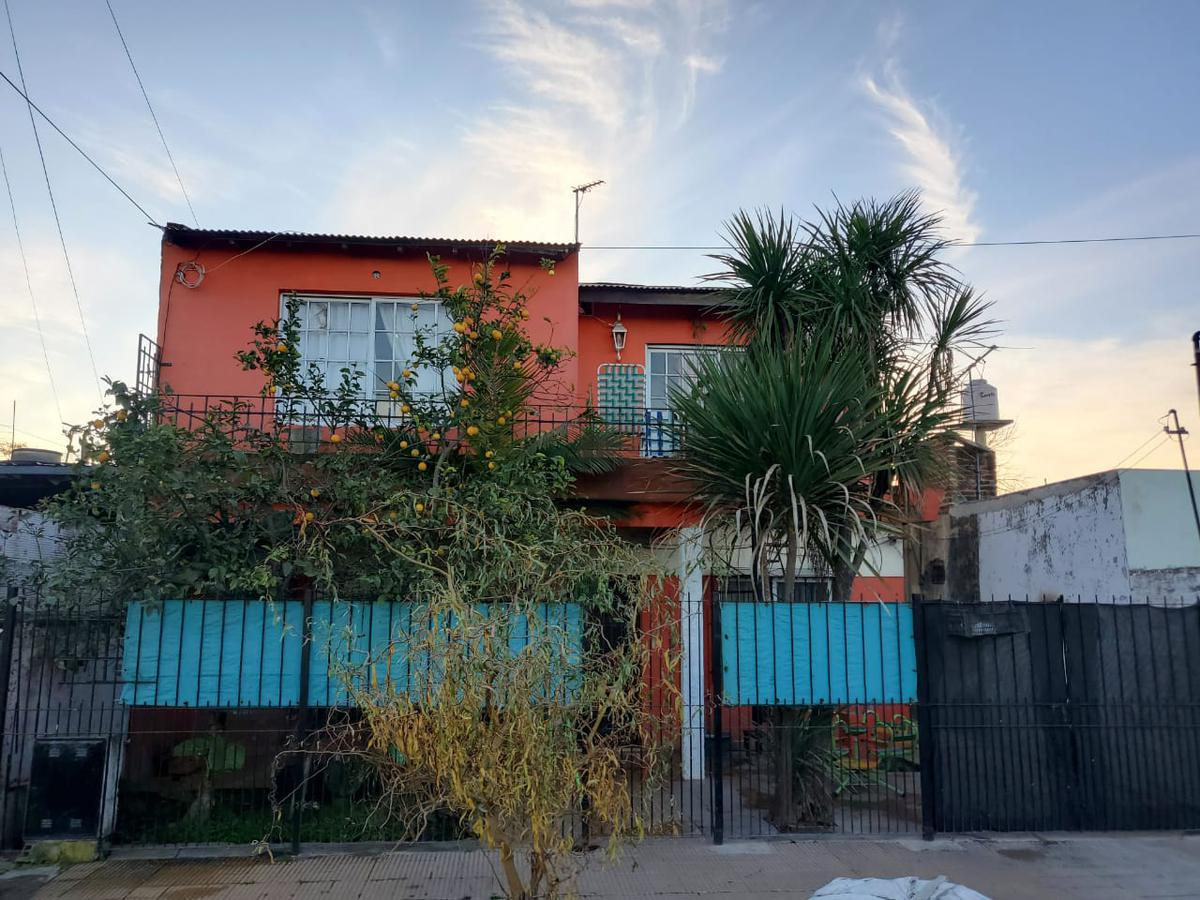 Foto Casa en Venta en  Moreno ,  G.B.A. Zona Oeste  LAFINUR al 10800
