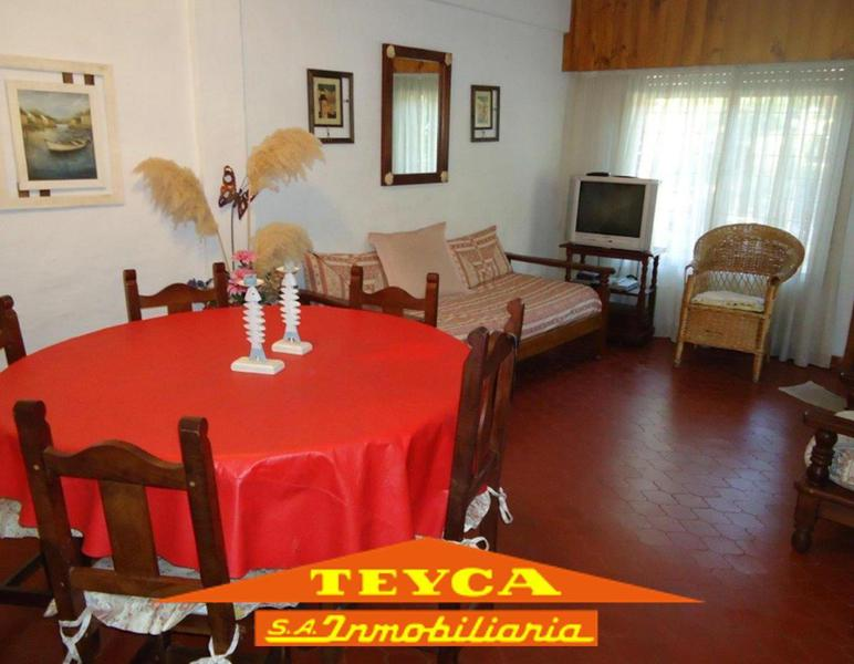 Foto Casa en Alquiler temporario en  Pinamar ,  Costa Atlantica  DEL ZORZAL 580