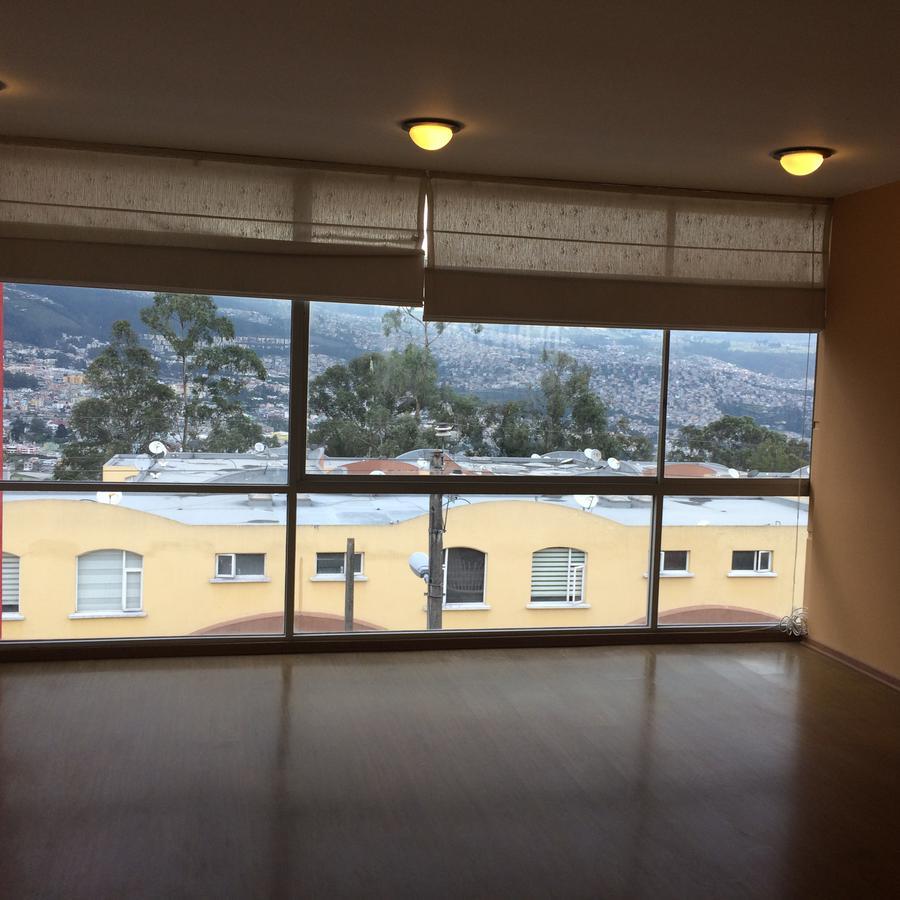 Foto Departamento en Alquiler en  Norte de Quito,  Quito  Calle 3