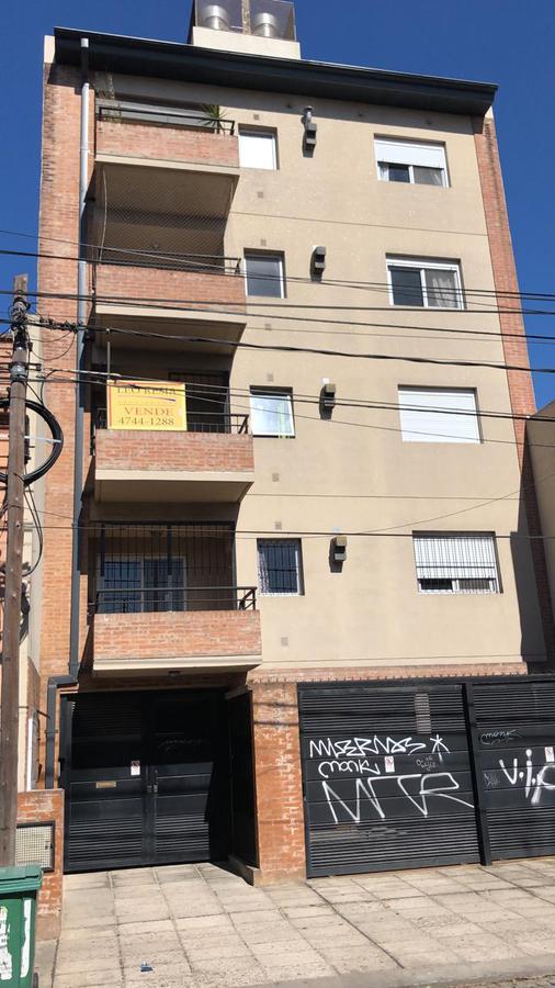 Foto Departamento en Venta en  San Fernando ,  G.B.A. Zona Norte  PERON al 300