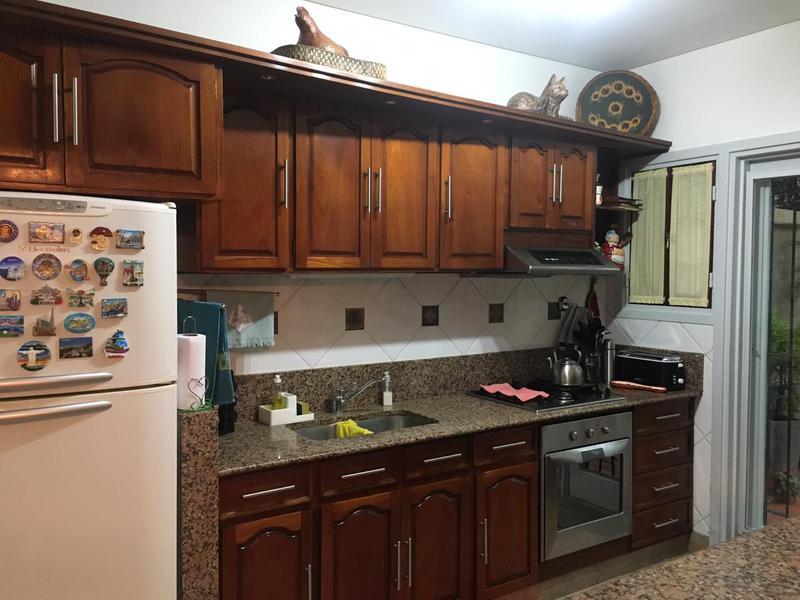 Foto Casa en Venta en  Muñiz,  San Miguel  CONESA AL 700 - CASA EN 2 PLANTAS CON 3 DORMITORIOS, 3 BAÑOS, QUINCHO Y PILETA