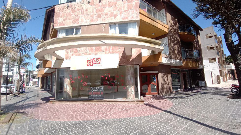 Foto Local en Alquiler en  San Bernardo Del Tuyu ,  Costa Atlantica  Chiozza y J.V Gonzalez