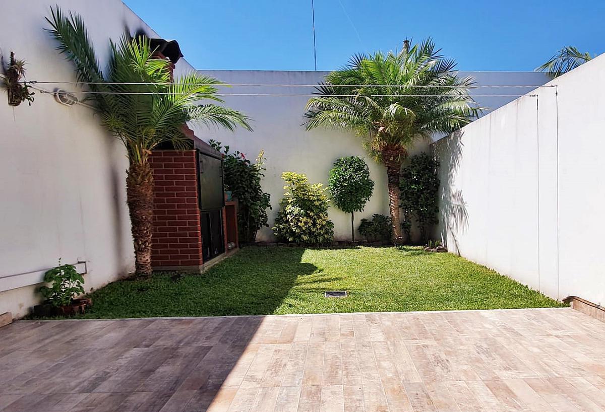 Foto Casa en Venta en  Munro,  Vicente López  José Hernández al 5600
