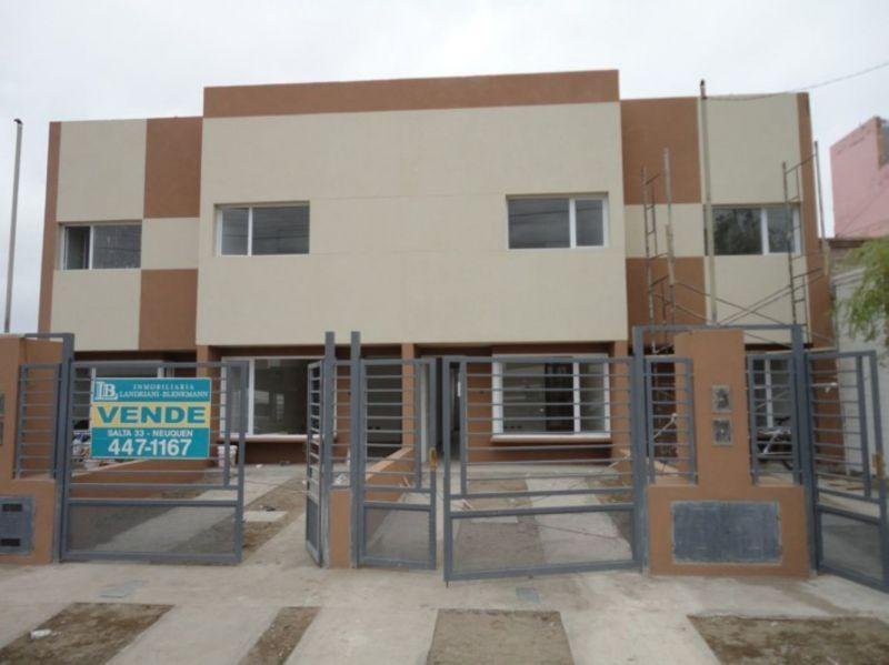 Foto Casa en Venta en  Capital ,  Neuquen  Zona Barrio Militar a mts del Shopping Paseo de la Patagonia 00