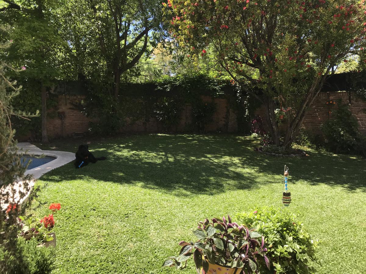 Foto Casa en Venta en  Acas.-Libert./Solis,  Acassuso  Emilio Mitre al 1100