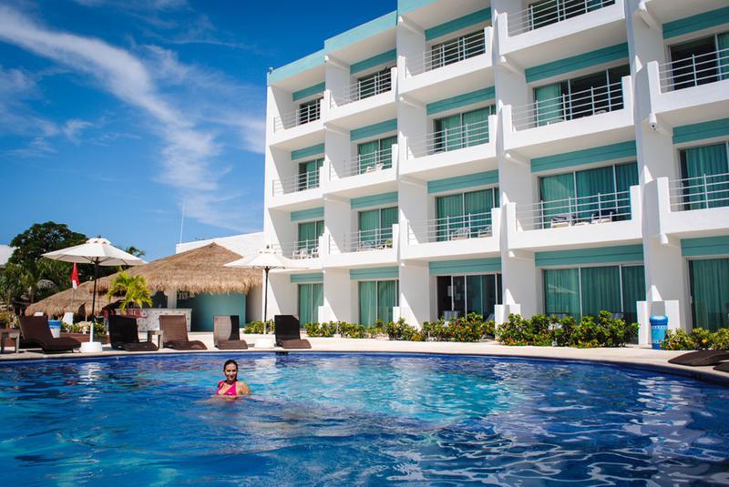 Foto Terreno en Venta en  Cozumel Centro,  Cozumel  Venta de Hotel de 45 Habitaciones Frente al Mar en Cozumel