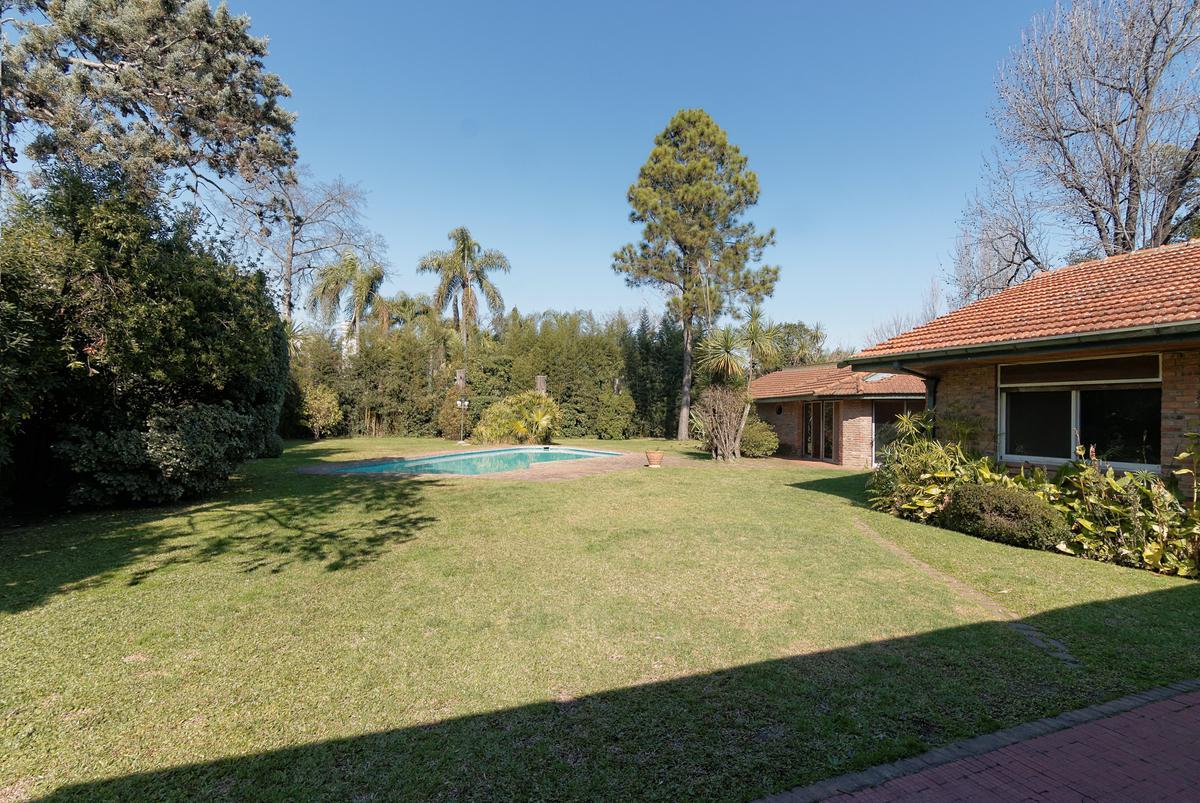 Foto Casa en Venta en  Las Lomas de San Isidro,  San Isidro  Avellaneda N° 2236, Lomas de San Isidro, San Isidro.