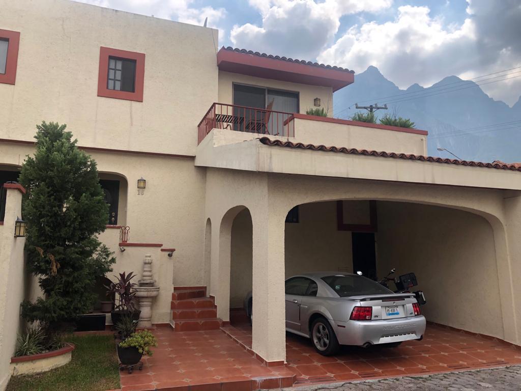Foto Casa en Venta en  Cumbres 6to Sector,  Monterrey  Cumbres Sexto Sector