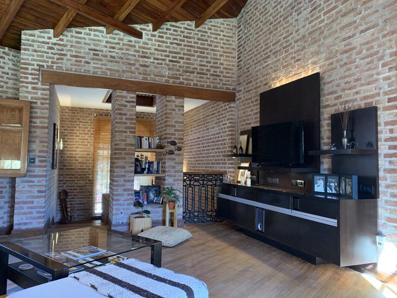 Foto Casa en Venta en  Barrio Jardin,  Cordoba Capital  Casa en venta en Barrio Jardín Espinosa. 3 dormitorios. Quincho y pileta.