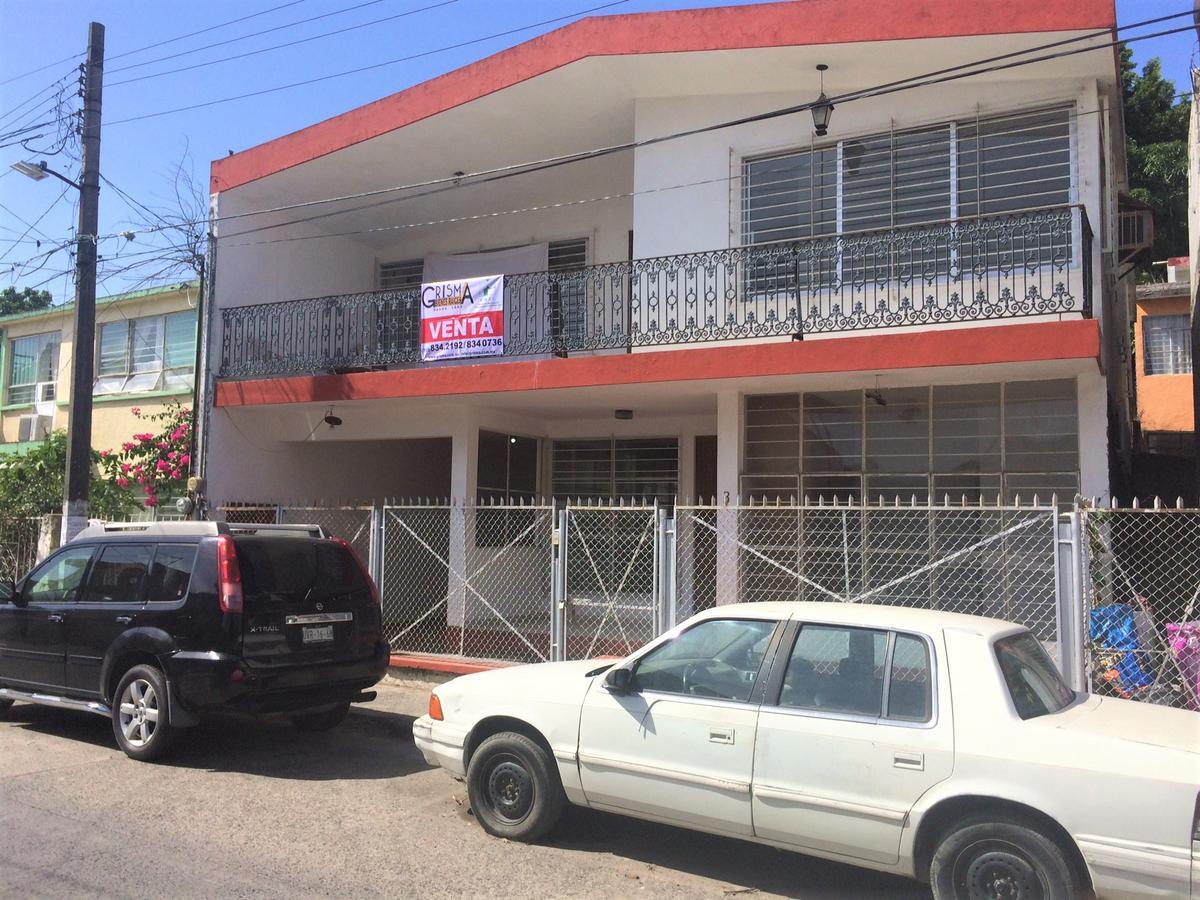 Foto Casa en Venta en  Centro,  Tuxpan  CASA CÉNTRICA A UNOS PASOS   DEL PARQUE DE LA BANDERA