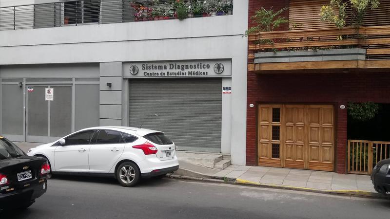 Foto Local en Venta en  Barracas ,  Capital Federal  Aristobulo del Valle y Av. Montes de Oca
