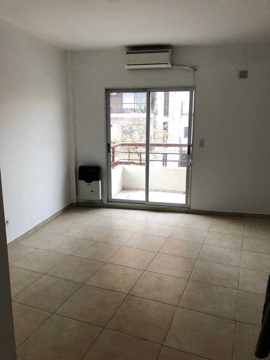 Foto Departamento en Venta en  San Fernando ,  G.B.A. Zona Norte  PERON al 3000