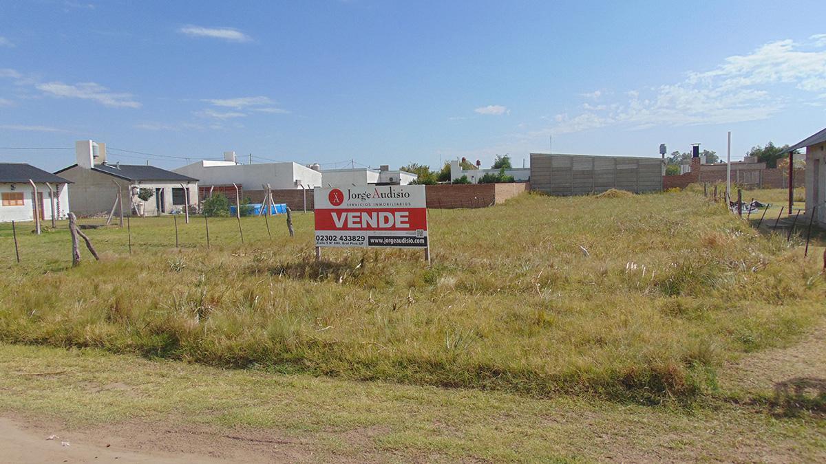 Foto Terreno en Venta en  General Pico,  Maraco  321 e/ 300 y 302