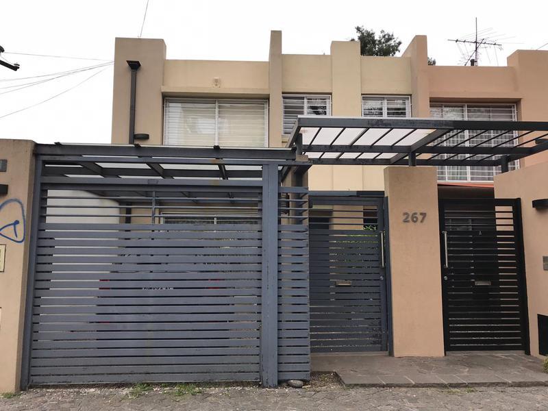 Foto Casa en Venta en  Lomas de Zamora Oeste,  Lomas De Zamora  RIVERA 267