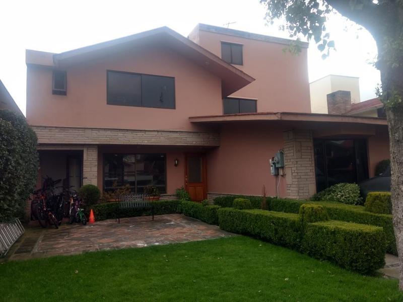 Foto Casa en condominio en Venta en  La Joya,  Metepec       VENTA DE  CASA CON 6 HABITACIONES POR GALERIAS METEPEC    - LA JOLLA