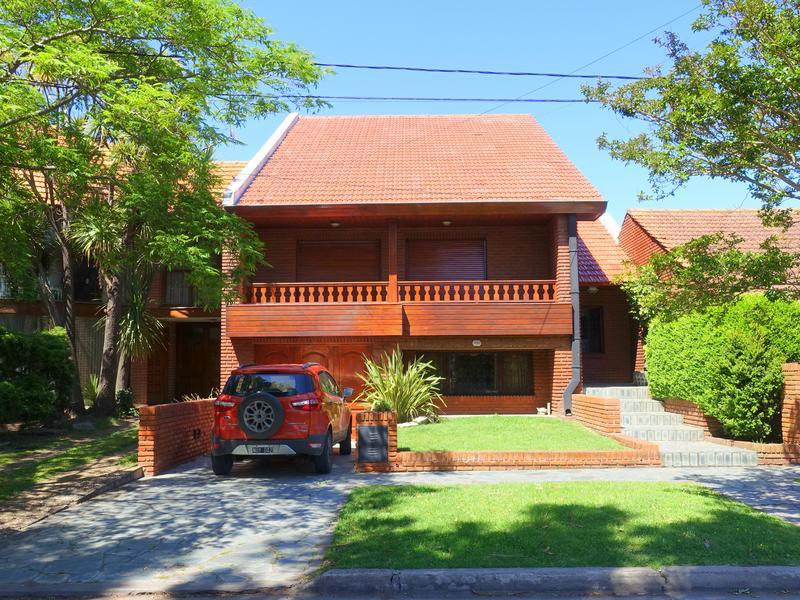 Foto Casa en Venta en  P.Luro,  Mar Del Plata  Lopez de Gomara al 4700