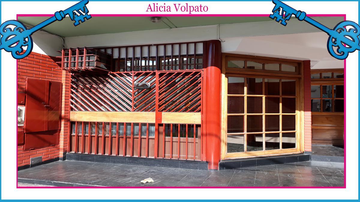 Foto Local en Venta en  Wilde,  Avellaneda  BAHIA BLANCA al 100