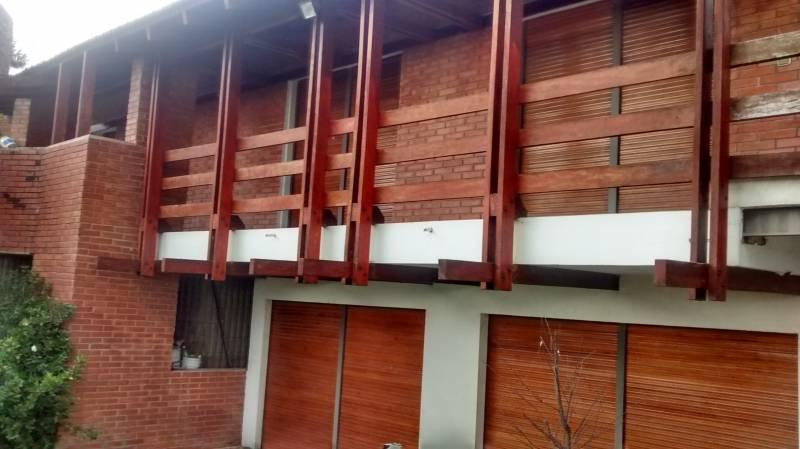 Foto Casa en Venta en  Villa Carlos Paz,  Punilla  Bach 10