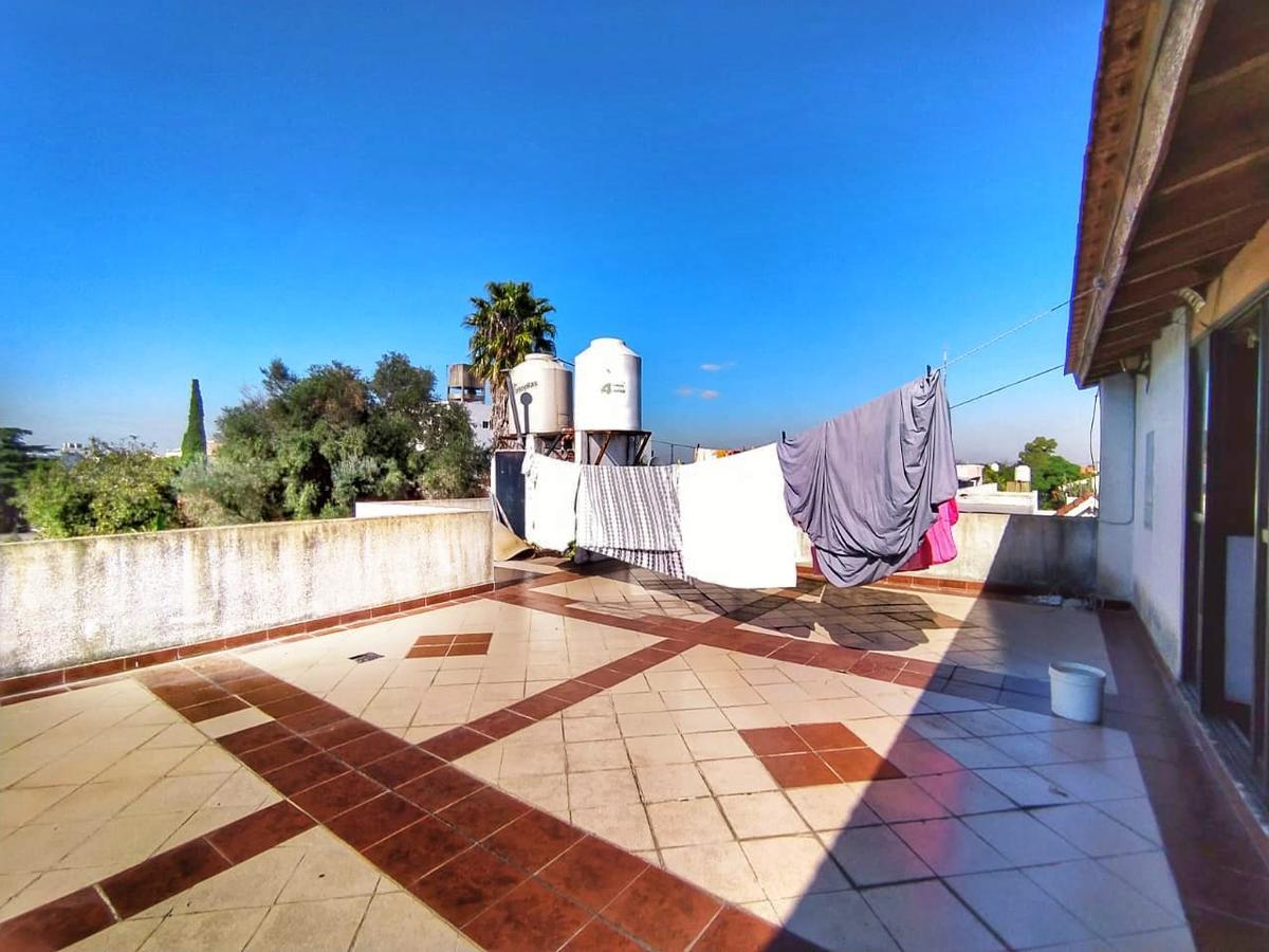 Foto Casa en Venta en  Tapiales,  La Matanza  Riobamba al 300