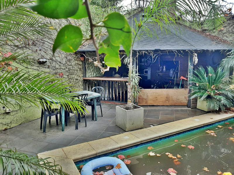 Foto Casa en Venta en  Atahualpa ,  Montevideo  Impecable casa 4 dormitorios, garaje, piscina