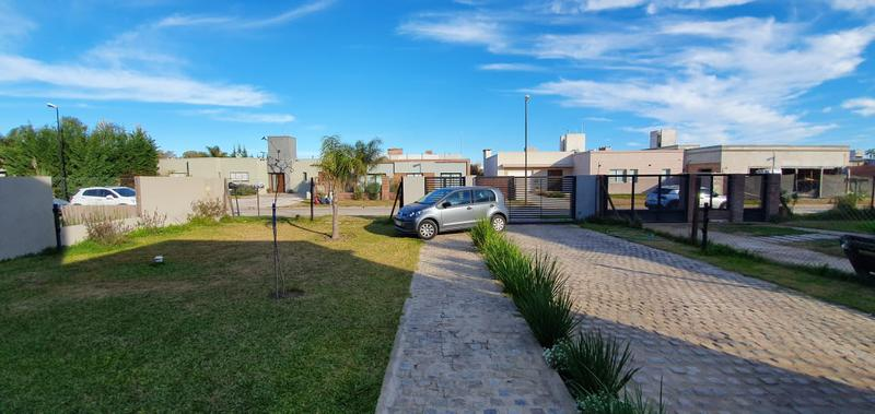 Foto Casa en Venta en  Funes ,  Santa Fe  CANTEGRIL - FUNES