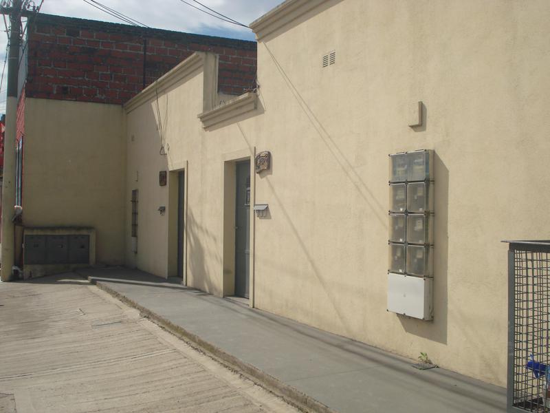 Foto Departamento en Alquiler en  Zapiola,  Lujan  Av. Carlos Pellegrini Nº 1576 dpto 3