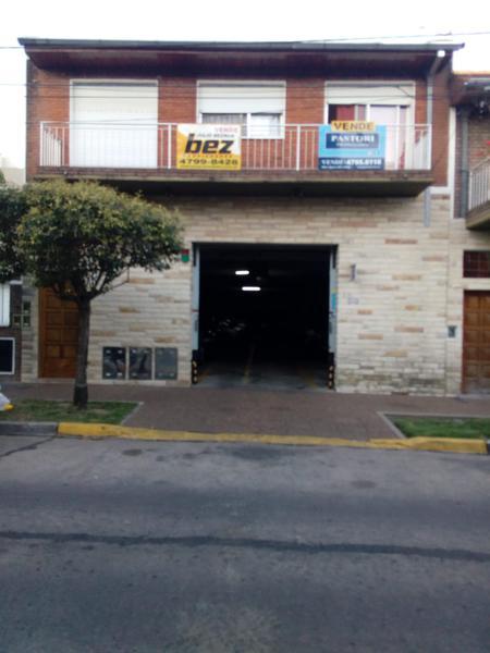 Foto Local en Venta en  Olivos,  Vicente López  Jose M. Paz al 4200