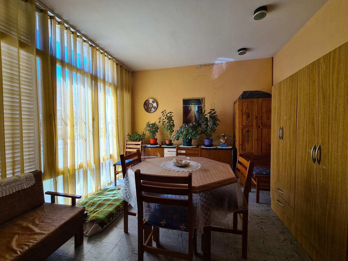 Foto Casa en Venta en  Pellegrini,  Alta Gracia  OPORTUNIDAD-Casa sobre Calle Avellaneda