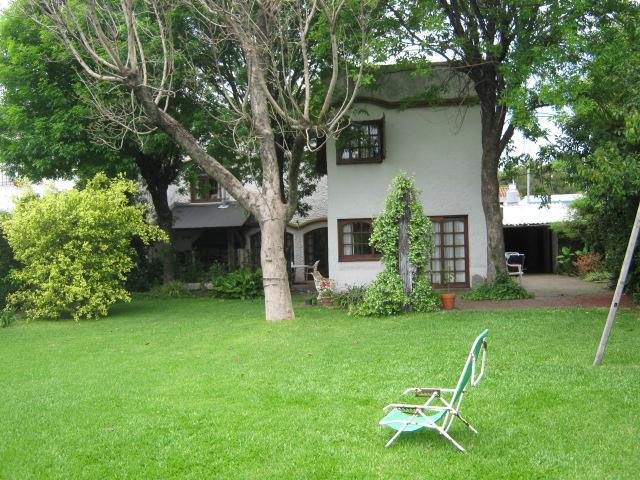 Foto Casa en Venta en  Jose Marmol,  Almirante Brown  CANALE nº 2549, entre Granville y King