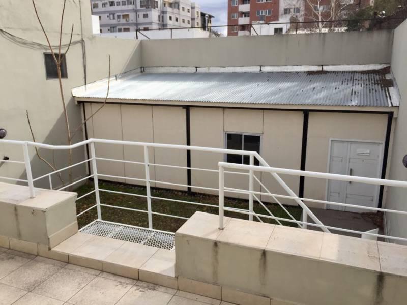 Foto Edificio Comercial en Alquiler en  Área Centro Oeste,  Capital  Área Centro Oeste