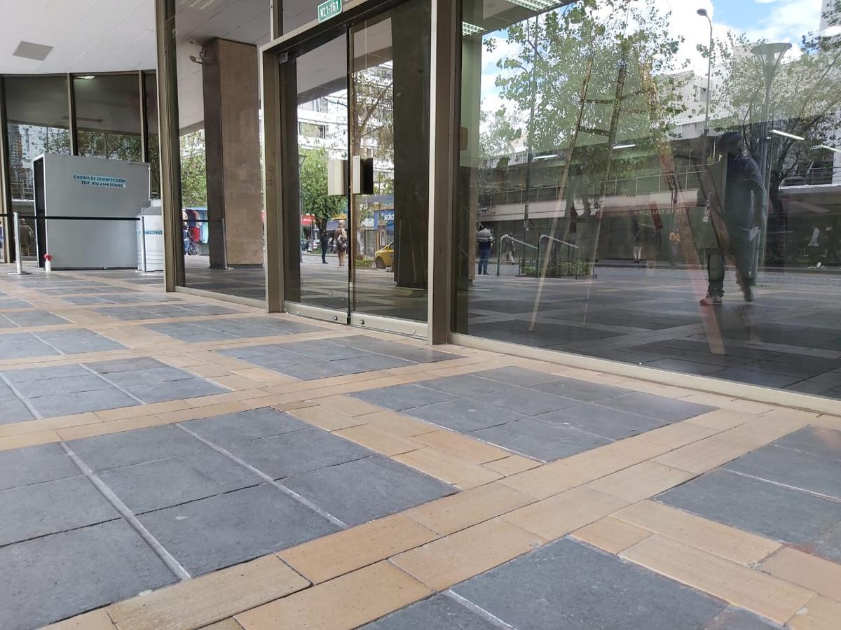 Foto Local Comercial en Venta | Alquiler en  Centro Norte,  Quito  AMAZONAS Y ROCA