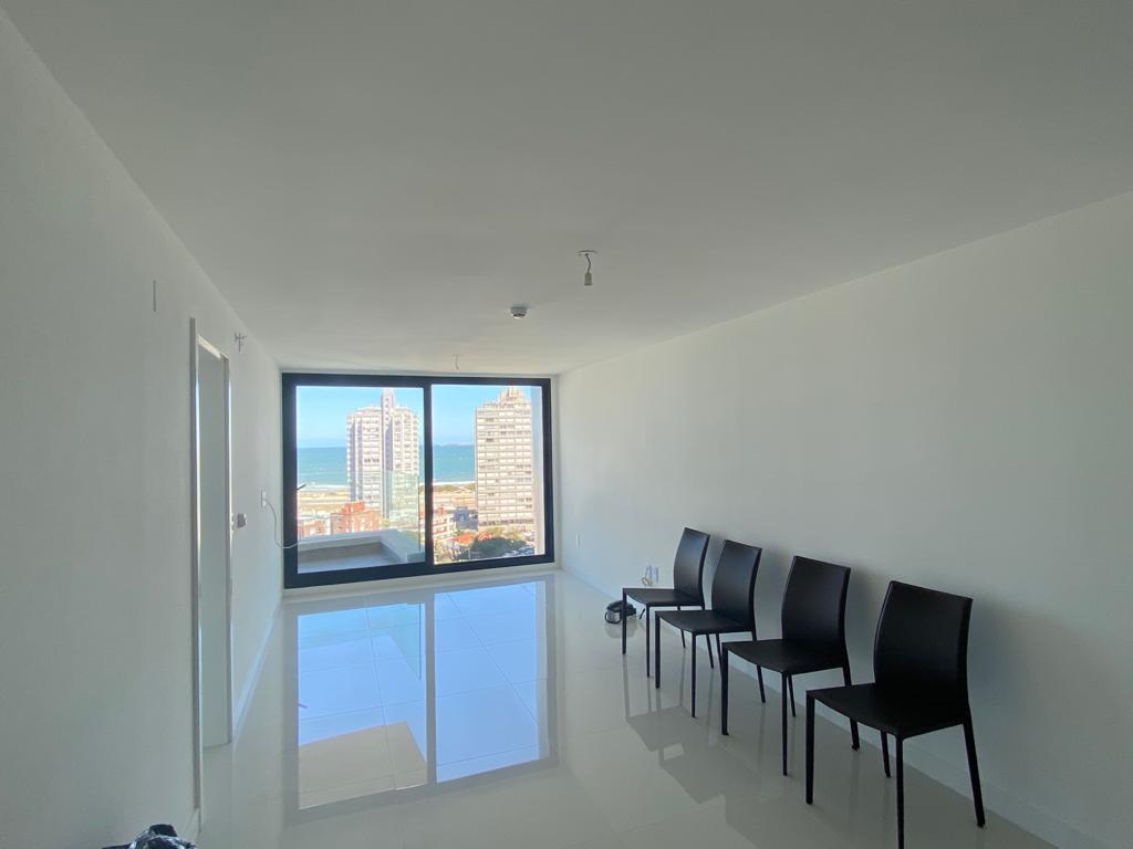 Foto Departamento en Venta en  Punta del Este ,  Maldonado   Artower , piso alto, proximo , Mansa y Brava !!