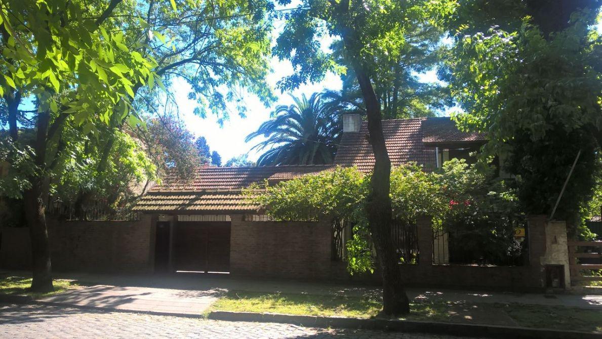 Foto Casa en Venta en  Adrogue,  Almirante Brown  EREZCANO 1167
