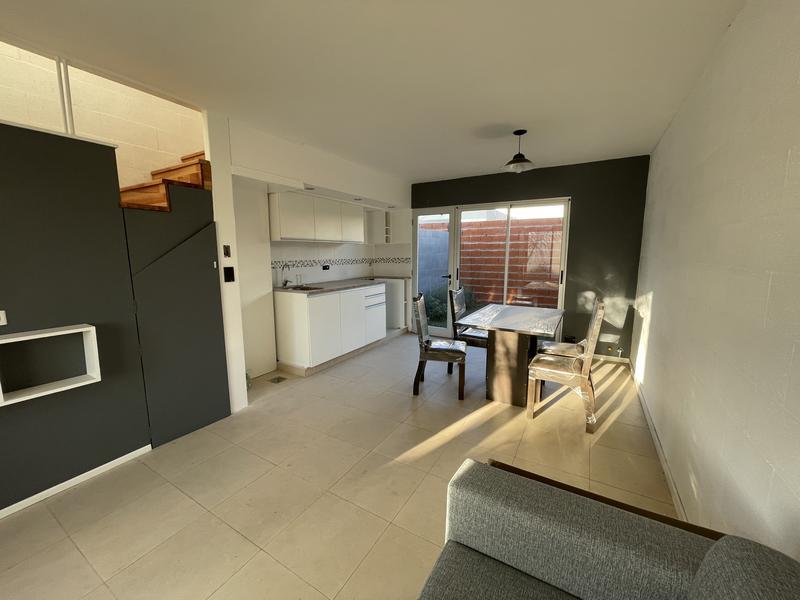 Foto Casa en Venta en  Fisherton,  Rosario  Casa de 2 dormitorios  - Fisherton