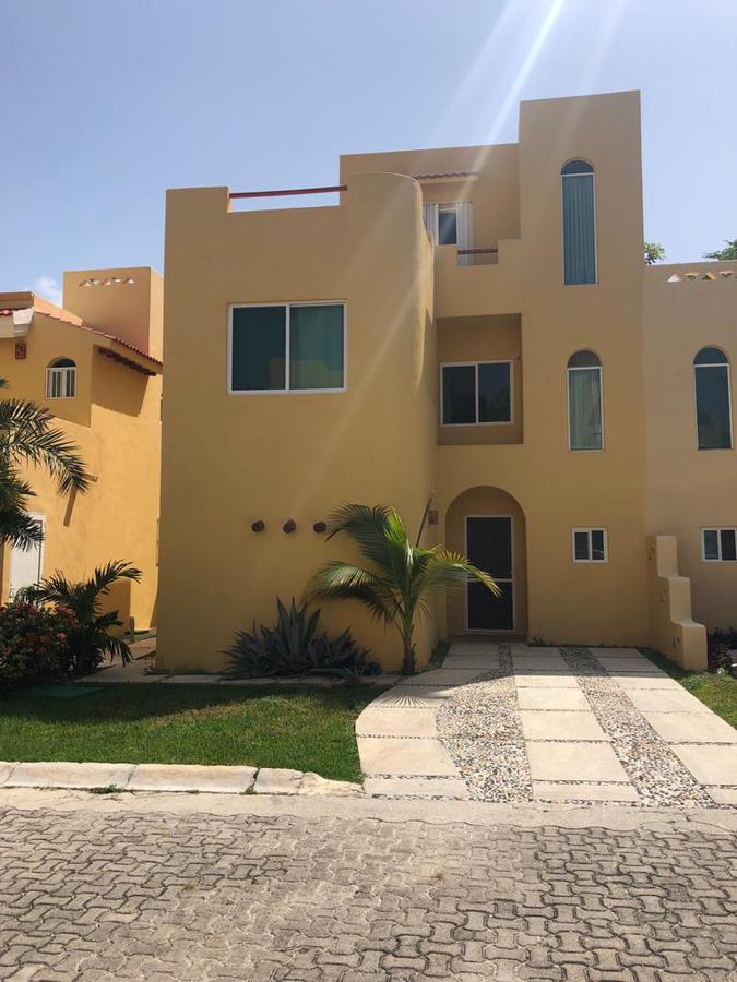 Foto Casa en Renta en  Playa del Carmen ,  Quintana Roo  Villa 4 Recamaras Green five Playacar en Renta
