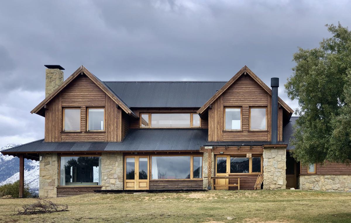 Foto Casa en Alquiler temporario en  Arelauquen,  Bariloche  Sector Polo