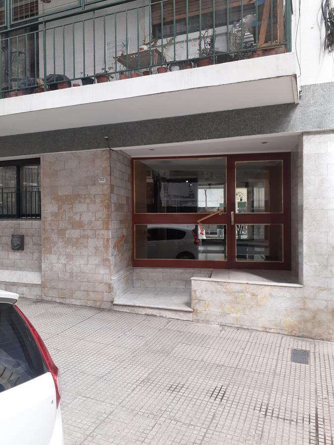 Foto Departamento en Alquiler en  Recoleta ,  Capital Federal  French al 2500