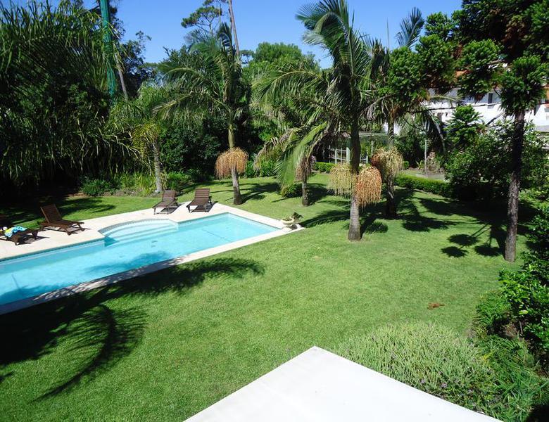 Foto Casa en Venta en  Playa Mansa,  Punta del Este  Excelente Ubicación y Vista al Mar