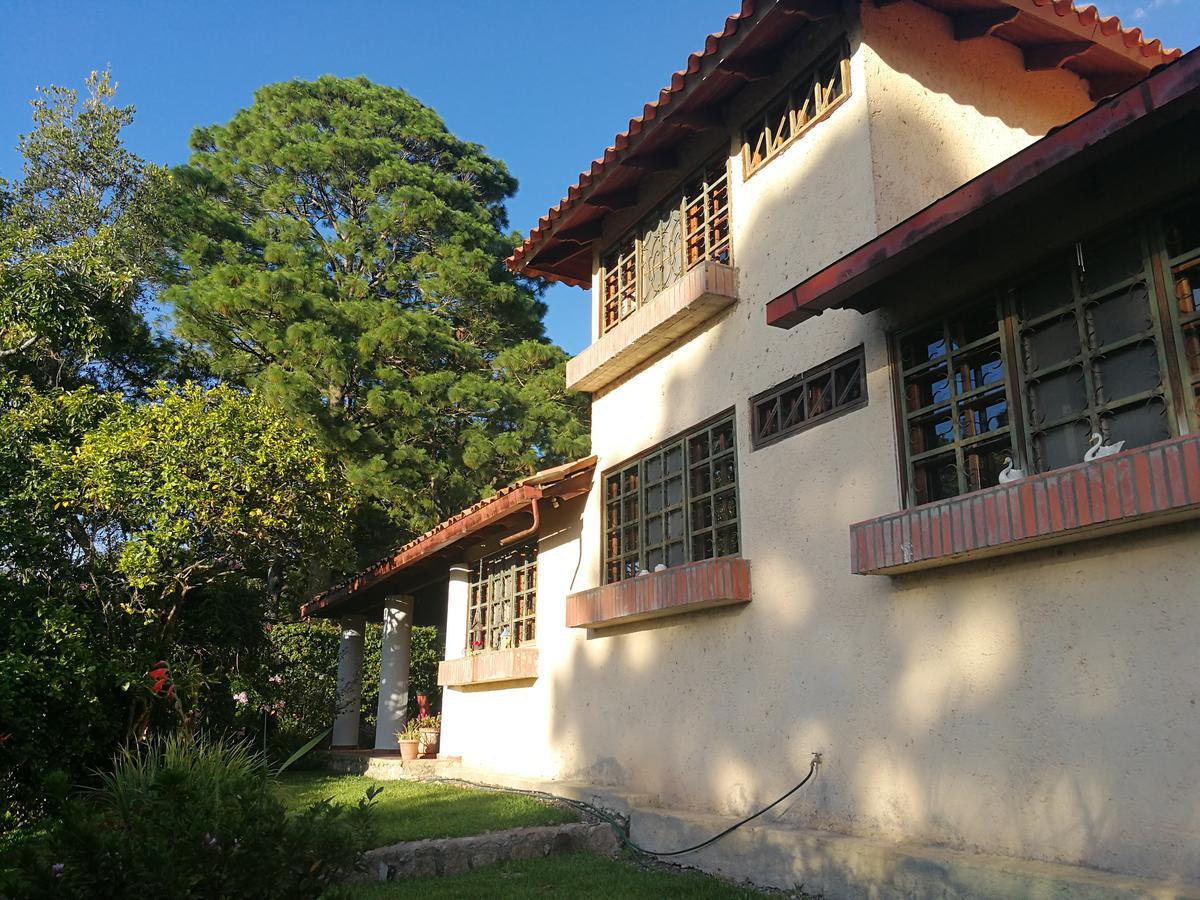 Foto Casa en Venta en  Santa Lucia,  Tegucigalpa   Bella Residencia en Venta en el Pueblo de Santa Lucia
